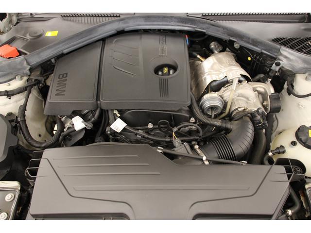 排気量1598cc 直列4気筒DOHCターボエンジン搭載!燃費は、16.6km/リットル(JC08モード・国土交通省審査値) パワフルで、トルクフル!コントローラブルで、レスポンシブ!燃費も良いです!