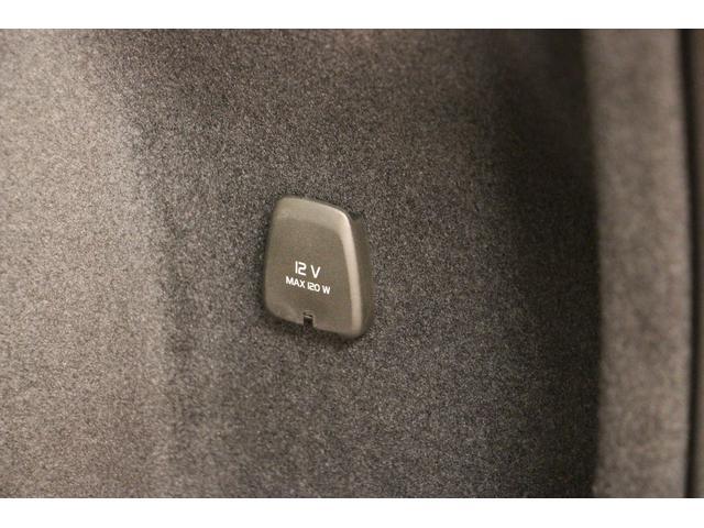 T5 インスクリプション プラスPKG/禁煙/B&Wプレミアムオーディオ/SR/アイボリー革S/衝突軽減B/ACC/BLIS /ートH/Pシート/ナビTV/全周囲カメラ/Pゲート/LEDヘッドライト/スマートキー/ETC2.0(26枚目)