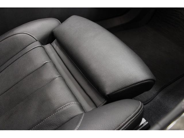 座面長が調整可能なシートです。
