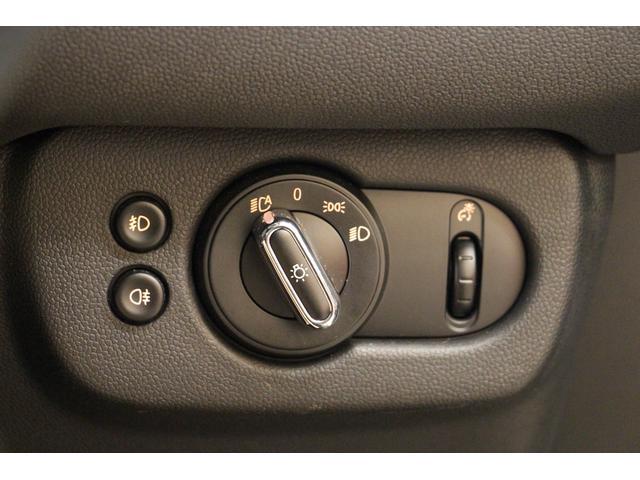 クーパー クラブマン 禁煙車/HDDナビ/Bカメラ/LEDヘッドライト/ミラーETC/Bluetoothオーディオ/ハンズフリー通話/USBポート/アイドリングストップ/クリアランスソナー/クルコン/オートライト(40枚目)