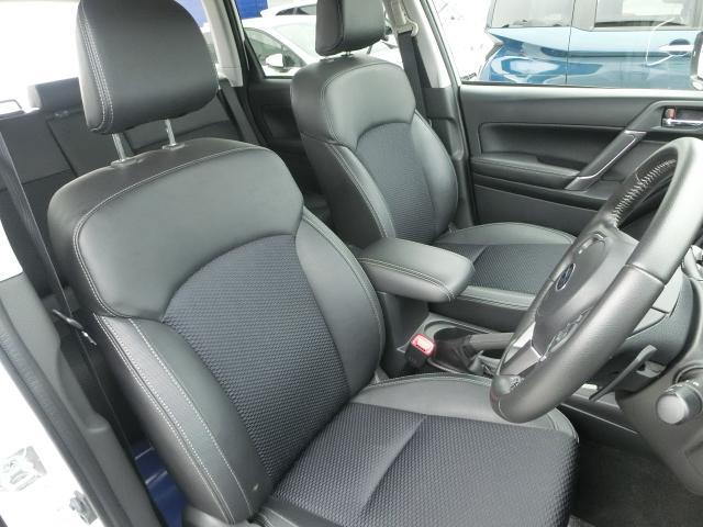 ホールド性の高いシートを採用して、腰への負担も少なく、長距離の運転も安心して、ご利用いただけます
