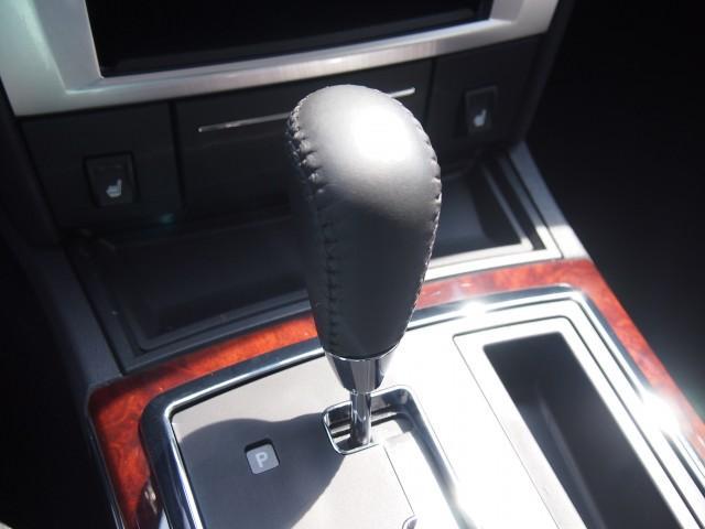 クライスラー クライスラー 300C 3.5 ディーラー車 左ハンドル サンルーフ HDDナビ