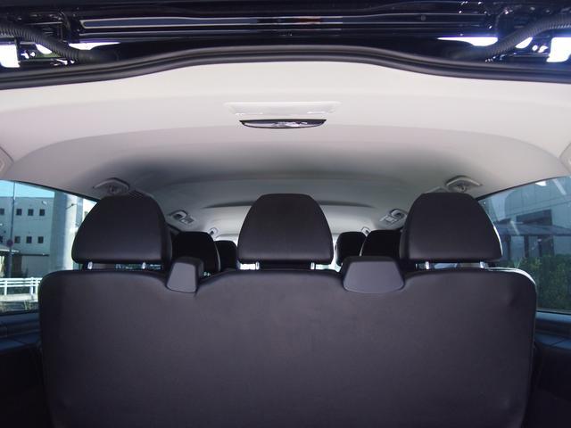 メルセデス・ベンツ M・ベンツ 新車並行 日本未導入車 両側パワースライドドア クロレザー
