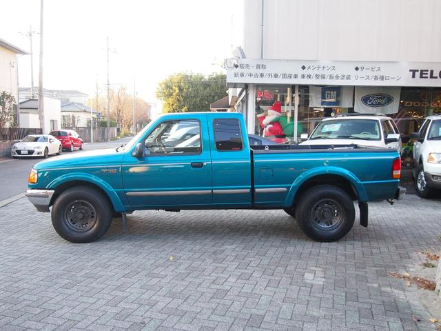 フォード フォード レンジャー XLT 新車並行