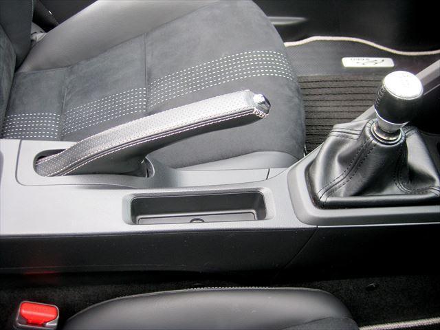 α F6速アップル安心保証  ワンオーナー車 禁煙車 センターディスプレイ革巻きサイドブレーシフト ハーフレザーシート バックカメラ クルーズコントロール ETC LEDヘッドライト(11枚目)