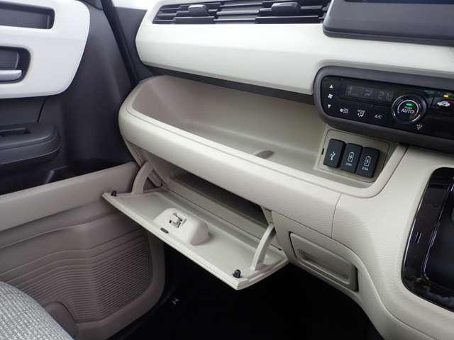 ホンダ N BOX G・EXホンダセンシング 当社デモカー 用品メモリーナビ
