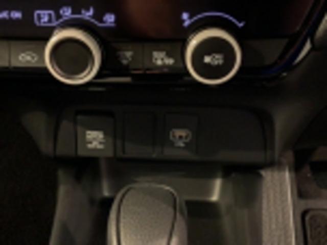ベーシック ホンダセンシング 当社試乗車 ETC  LED 衝突軽減 横滑り防止装置 禁煙車 スマートキー バックカメラ メモリーナビ LED キーレスエントリー 盗難防止装置(18枚目)