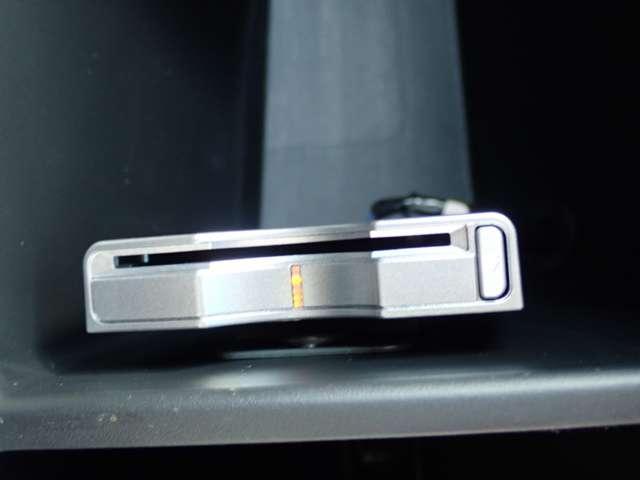 ZL HDDナビアルカンターラスタイル Rカメラ DVD(9枚目)