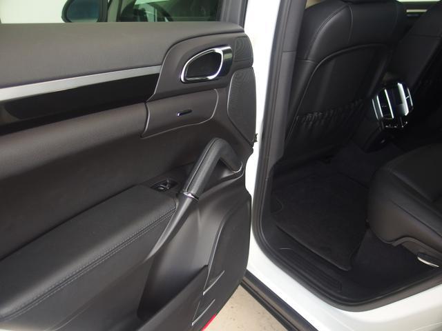 ☆抗菌・消臭・防汚に!!内装コーティング施工可能。光触媒が長期的に車内を抗菌し続けクリーンに保つことができます。特に小さなお子様がいる方や花粉症でお困りのお客様は是非ご検討ください。