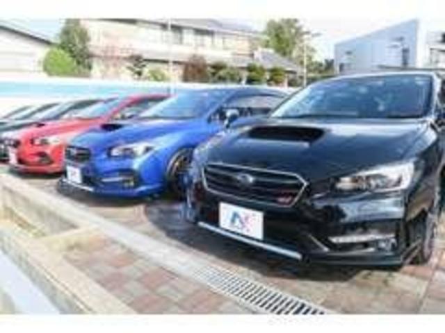 同じ車種の異なるグレードや装備のお車を保有しております!
