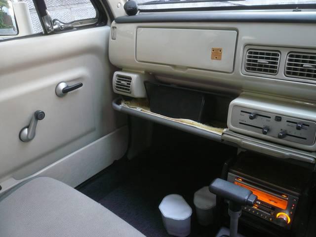 ベースグレード 社外オーディオ 内外装レストア車(15枚目)