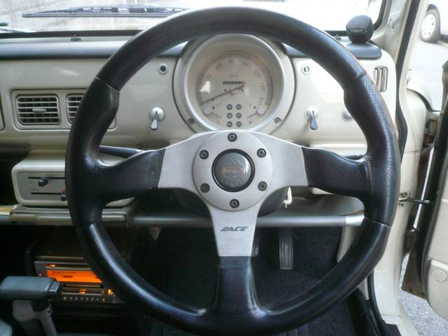 ベースグレード 社外オーディオ 内外装レストア車(16枚目)