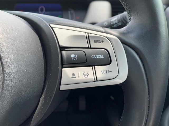 e:HEVホーム 元デモカー オーディオレス LEDヘッドライト コンフォートビューパッケージ ホンダセンシング サイドエアバック コンビシート リアカメラ スマートキー 渋滞追従機能付ACC(11枚目)