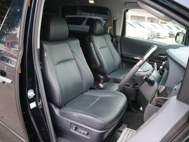 トヨタ ヴェルファイア 2.4Z Gエディション 黒革シート 8inナビ 両側電動