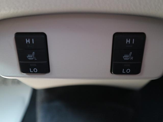 シートヒーター装備で冬場のドライブも快適です。