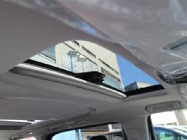 ツインムーンルーフ装備☆ 開放的て心地のよいドライビング空間を提供してくれます♪