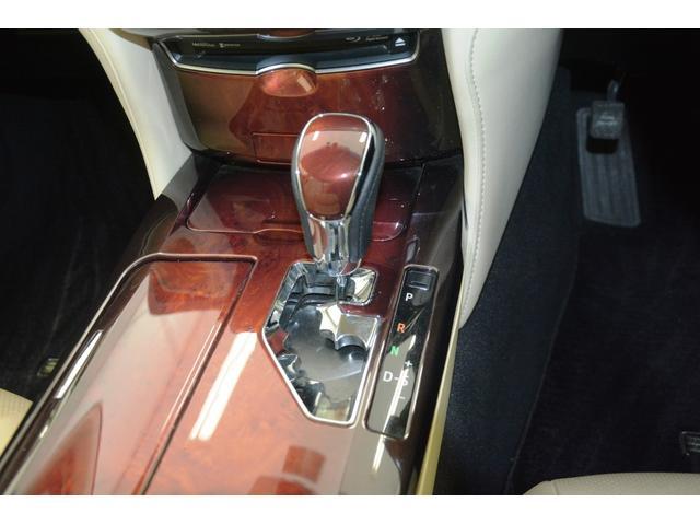 Fバージョン プリクラッシュセーフティ ブラインドスポットモニター レーダークルーズコントロール シートヒーター シートベンチレーション ステアリングヒーター LEDヘッド・フォグランプ パノラミックモニター(19枚目)