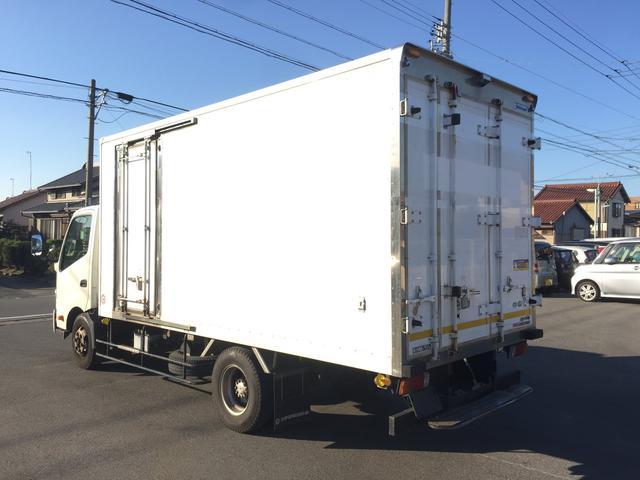 冷蔵冷凍車 2950kg(3枚目)