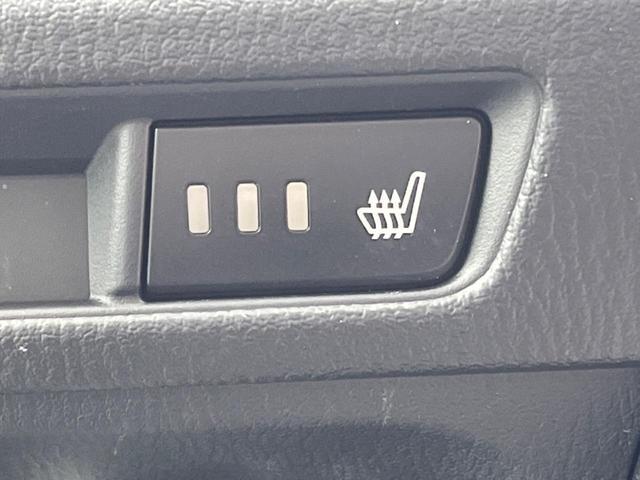 15S Lパッケージ 6速MT 360度ビューモニター 駐車センサー アイドリングストップ 横滑り防止機能 ETC クルーズコントロール バックカメラ 専用18インチAW シートヒーター パワーシート 純正ナビ(8枚目)