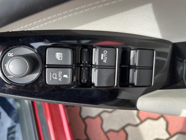 15S Lパッケージ 6速MT 360度ビューモニター 駐車センサー アイドリングストップ 横滑り防止機能 ETC クルーズコントロール バックカメラ 専用18インチAW シートヒーター パワーシート 純正ナビ(33枚目)