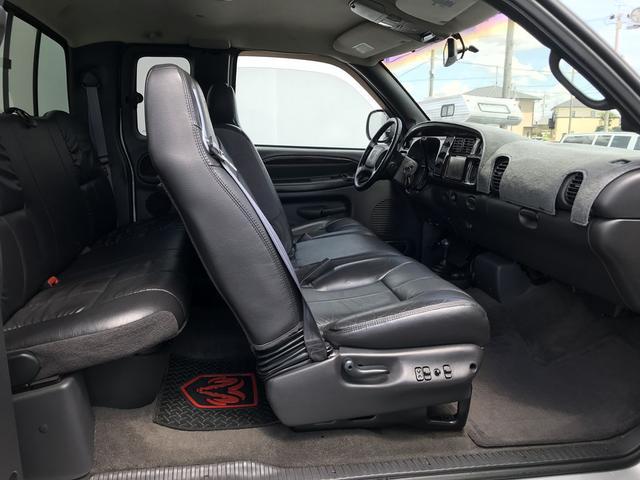 1500 スポーツパッケージ 4WD 新車並行(11枚目)