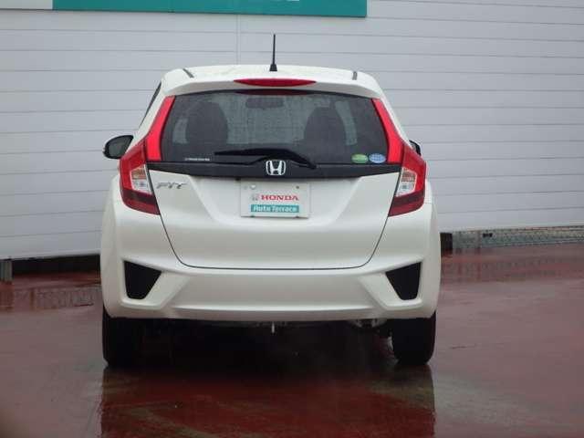 ホンダ フィット 13G・Fパッケージ 3年保証付 当社試乗車 新車保証継承