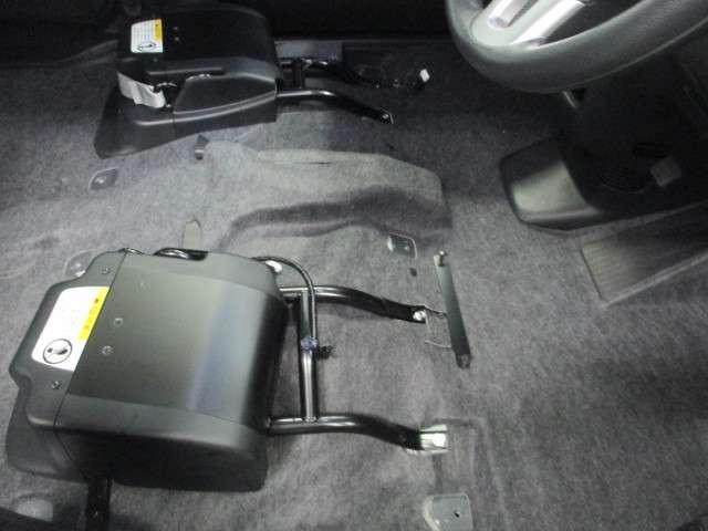 ホンダ N BOX+カスタム G 3年保証付 福祉車両 用品メモリーナビ