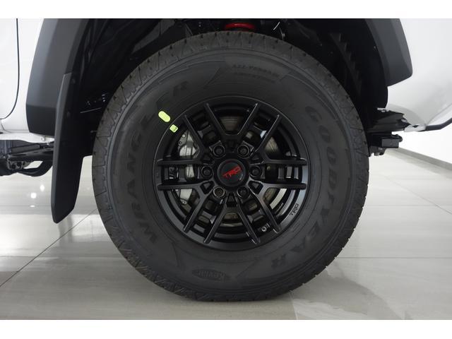 ダブルキャブ SR5 2021y TRDPRO シーケンシャルウィンカー サンルーフ TRDPRO専用FOXショック アルミ TRDマフラー&スキッドプレート CarPlay対応 TRDPROロゴ入りレザーシート(12枚目)