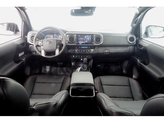 ダブルキャブ SR5 2021y TRDPRO シーケンシャルウィンカー サンルーフ TRDPRO専用FOXショック アルミ TRDマフラー&スキッドプレート CarPlay対応 TRDPROロゴ入りレザーシート(13枚目)