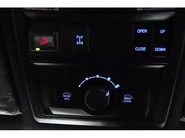ダブルキャブ SR5 2021y TRDPRO シーケンシャルウィンカー サンルーフ TRDPRO専用FOXショック アルミ TRDマフラー&スキッドプレート CarPlay対応 TRDPROロゴ入りレザーシート(20枚目)
