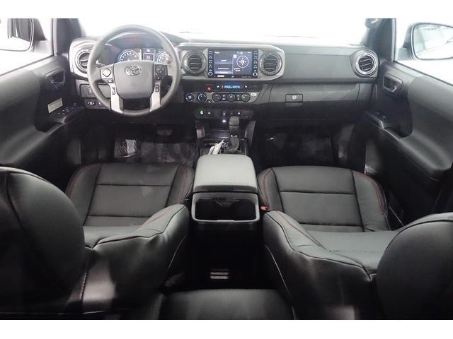 ダブルキャブ SR5 2021y TRDPRO シーケンシャルウィンカー サンルーフ TRDPRO専用FOXショック アルミ TRDマフラー&スキッドプレート CarPlay対応 TRDPROロゴ入りレザーシート(25枚目)