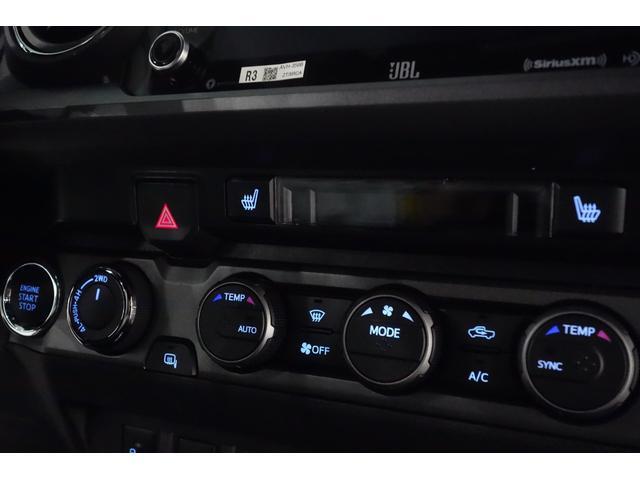 ダブルキャブ SR5 2021y TRDPRO シーケンシャルウィンカー サンルーフ TRDPRO専用FOXショック アルミ TRDマフラー&スキッドプレート CarPlay対応 TRDPROロゴ入りレザーシート(30枚目)