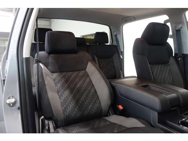 クルーマックス SR5 2021y CarPlay対応ディスプレイ TRDオフロード スマートキ  サンルーフ 純正LEDヘッドライト&FOG ビルシュタンサス セーフティーセンス  F&S&Bカメラ F&Rソナー(12枚目)