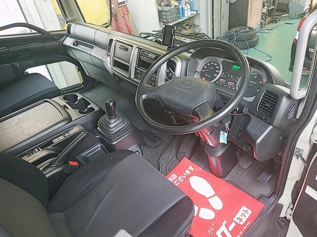 アルミウイング 積載2750Kg ワイドベット付き R観音扉 荷台内寸長さ625横238高さ240 床鉄板貼り エンジンJ05E バックカメラ ラッシング2段(5枚目)