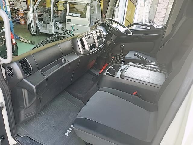 アルミウイング 積載2750Kg ワイドベット付き R観音扉 荷台内寸長さ625横238高さ240 床鉄板貼り エンジンJ05E バックカメラ ラッシング2段(6枚目)