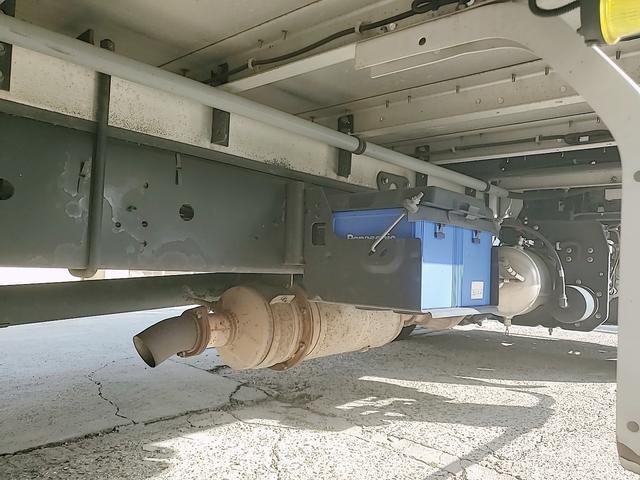 アルミウイング 積載2750Kg ワイドベット付き R観音扉 荷台内寸長さ625横238高さ240 床鉄板貼り エンジンJ05E バックカメラ ラッシング2段(52枚目)