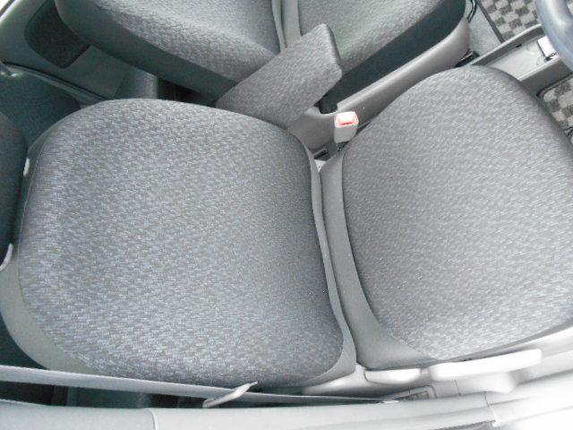 ◆運転席シートです♪是非一度、ヴァーサス四日市日永店にお問い合わせ下さい!TEL:059-346-3331またはフリーダイヤル0066-9704-531702までお願いします◆