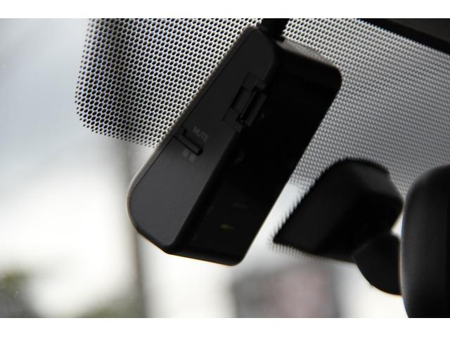 スーパーGL ダークプライム ディーゼル/純正OPアルミ/LEDヘッドライト/スマートキー/ハーフレザーシート/木目パネル/本革&木目ステアリング/ステアリングスイッチ/100V電源/純正ナビ/バックカメラ/DP専用ボディカラー(50枚目)