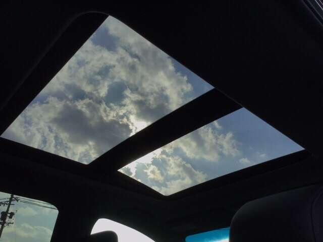 サンルーフ付き!夜空もきれいに見えること間違いなし!
