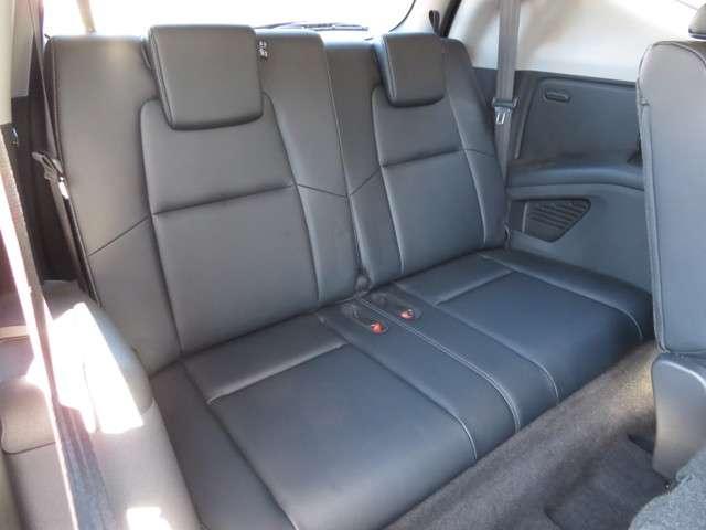 中古車をご購入後も専門スペシャリストスタッフによる点検や車検、メンテナンスサービスをご提供しております。