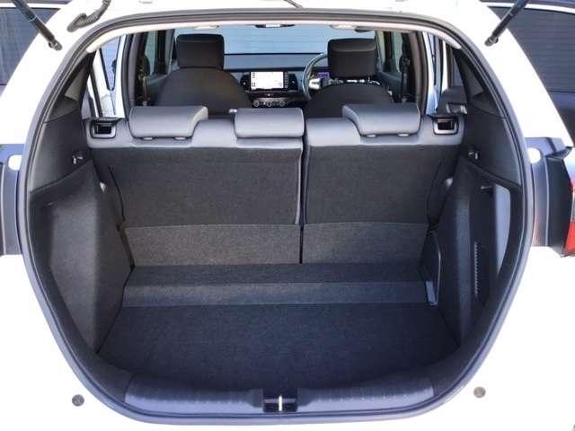 e:HEVベーシック 新車保証付 新車保証付 純正デカナビ 衝突軽減ブレーキ 障害物センサー 電動格納ミラー ドライブレコーダー LEDヘッドライト オートライト(15枚目)