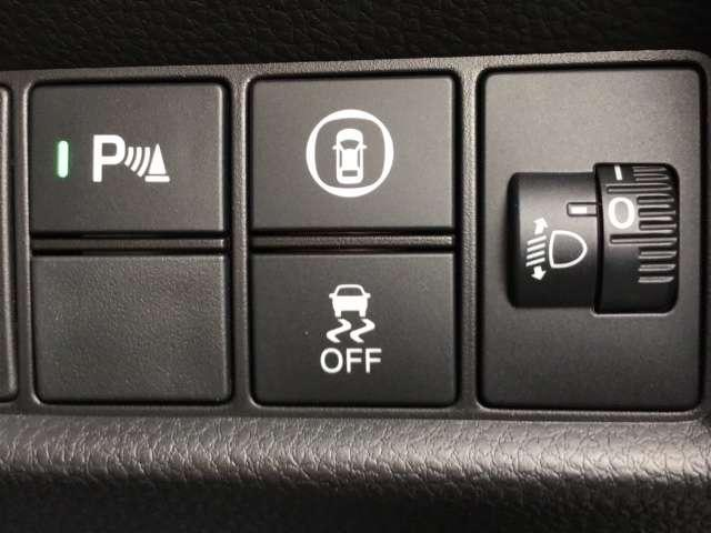 e:HEVベーシック 新車保証付 純正デカナビ 衝突軽減ブレーキ 障害物センサー 電動格納ミラー ドライブレコーダー LEDヘッドライト オートライト(11枚目)