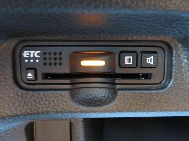 G・EXターボホンダセンシング 無料保証付 純正ナビ フルセグTV ドライブレコーダー ETC バックカメラ LEDヘッドライト クルーズコントロール サイドカーテンエアバック キーレス(9枚目)
