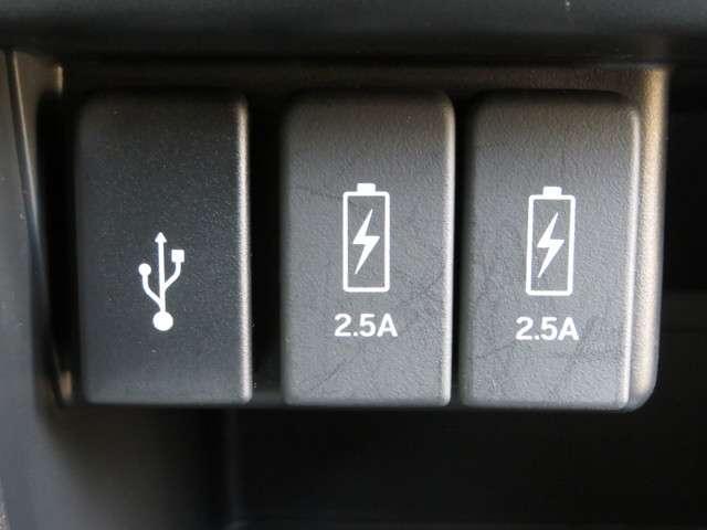 G SSパッケージ 無料保証付 元当社レンタカー 衝突軽減ブレーキ 純正ナビ DVD再生可 ETC バックカメラ HIDヘッドライト サイドカーテンエアバック クルーズコントロール キーレス(11枚目)