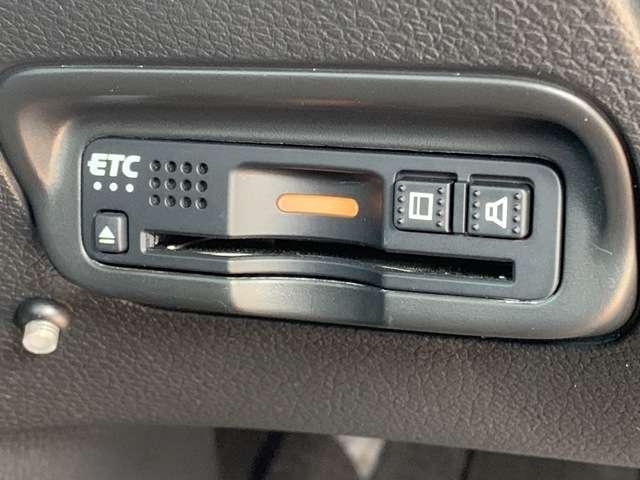 ハイブリッドZ・ホンダセンシング 8インチインターナビ フルセグTV DVD再生可 Bカメラ ドラレコ ETC スマートキー シートヒーター LEDヘッドライト アルミホイール レンタUP車(13枚目)