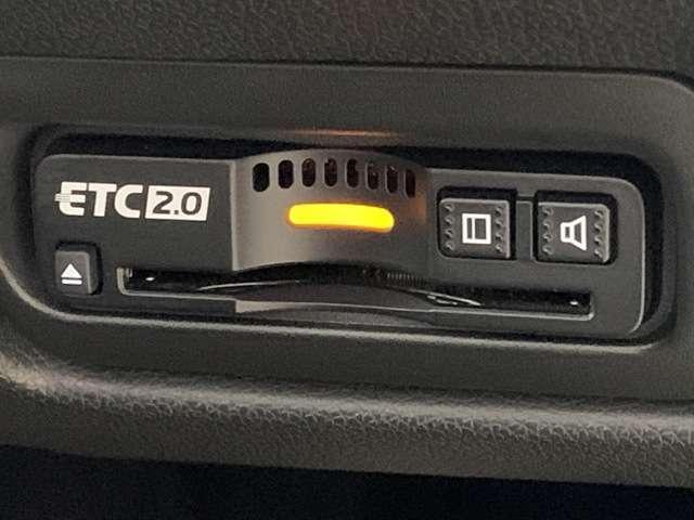 スパーダ・クールスピリット ホンダセンシング 9インチインターナビ フルセグTV DVD再生可 Bカメラ ETC スマートキー シートヒーター 両側パワースライドドア LEDヘッドライト フォグライト アルミホイール(13枚目)
