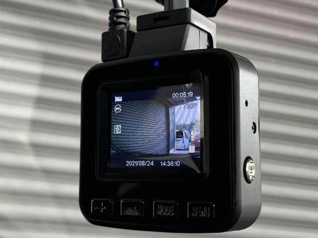 ホーム 9インチインターナビ フルセグTV DVD再生可 Bカメラ ドラレコ ETC スマートキー LEDヘッドライト クリアランスソナー レンタUP車(14枚目)