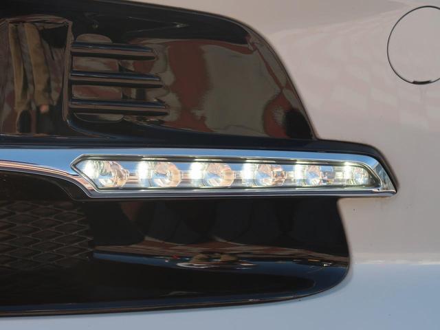 LEDライナー装備☆ヘッドライトとフォグランプの間に煌くLEDのアクセサリが車の見た目を際立たせる、人気の装備です☆