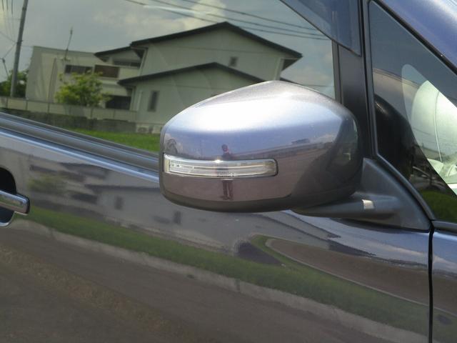 T SDナビ Bluetooth接続 スマートキー ETC HIDヘッド ベンチシート オートライト 純正アルミ DVD/CD再生 ステアリモコン 革巻きステアリング(12枚目)