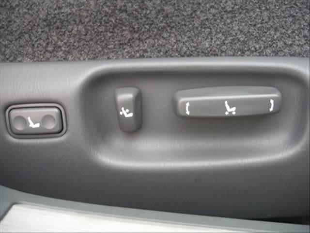「トヨタ」「センチュリー」「セダン」「三重県」の中古車32